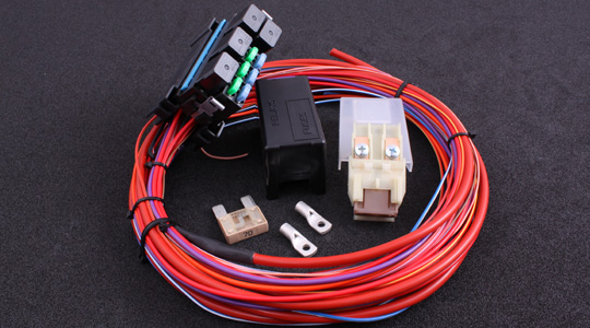 Complete relay / fuse box with pre-mounted wires to easy-up a flying lead installation
